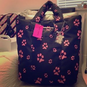 Betsy Johnson 🐾paw purse💞